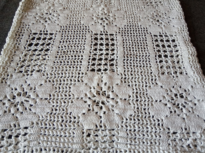 Pillow case crocheted, vintage pillow case, hand knitted