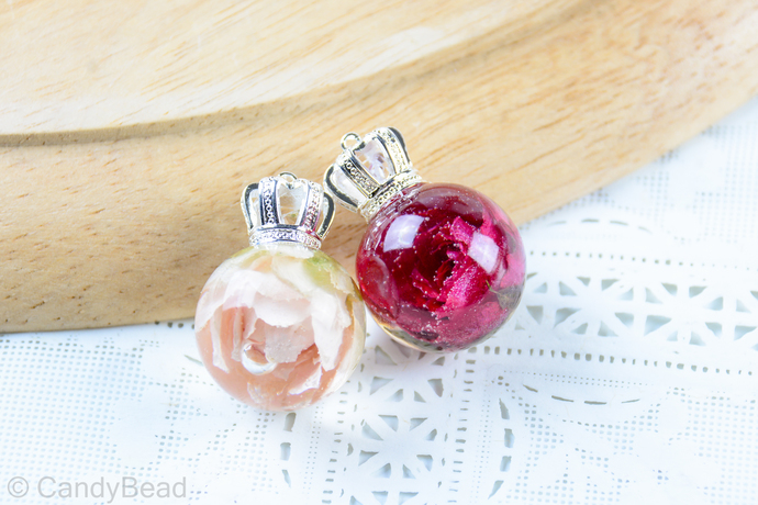 Rose resin necklace, rose nature pendant, resin jewelry, resin pendant, rosebud