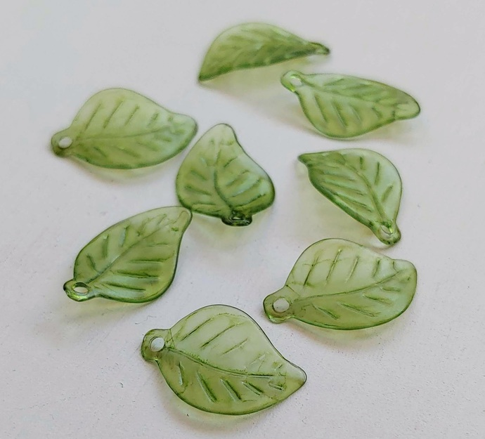 Lucite Leaves, Thin Wavy Leaf Charm, Sage Green Watercolor 10 pc