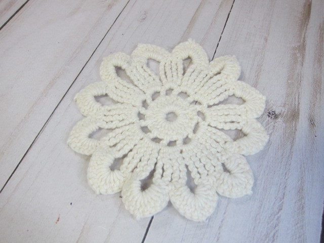 Cotton Crochet Flower Applique Doily  - 4 inch Off White
