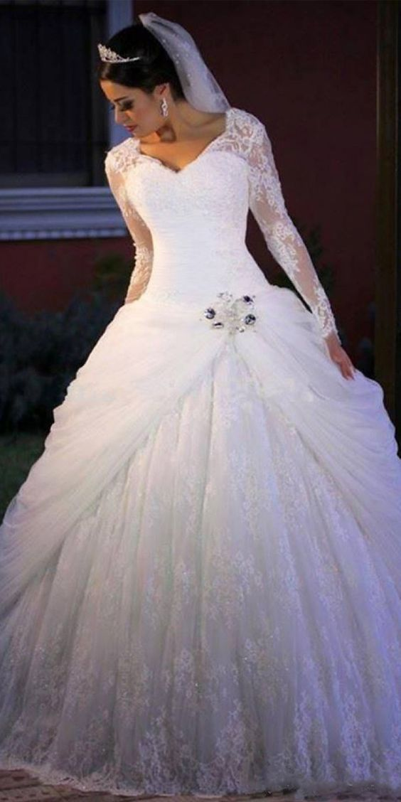 Charming White Lace Wedding Dress, Ball Gown Wedding Dresses Appliques Ball