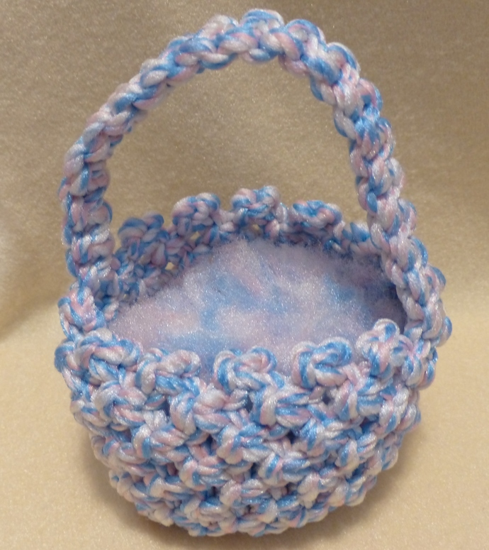 Macrame basket Pastel yarn basket Easter basket Easter decoration Holiday