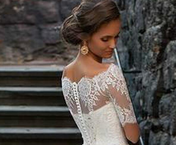 Charming Appliques White Tulle Wedding Dresses with Cap Sleeve