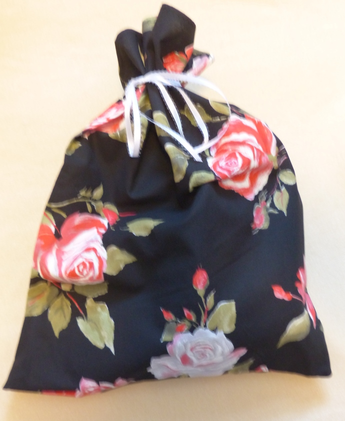 fabric gift bag, floral gift bag, gift bag for Mom, Mother's Day gift bag,