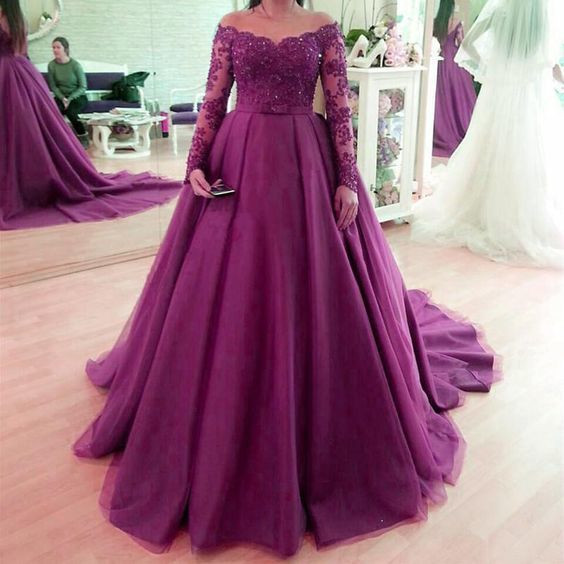 Long Sleeves Lace and tulle wedding dresses ball gown with train