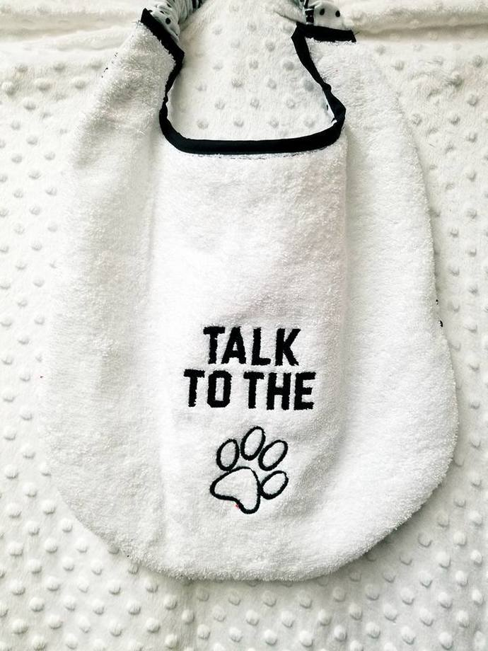 Talk to the Paw Bib