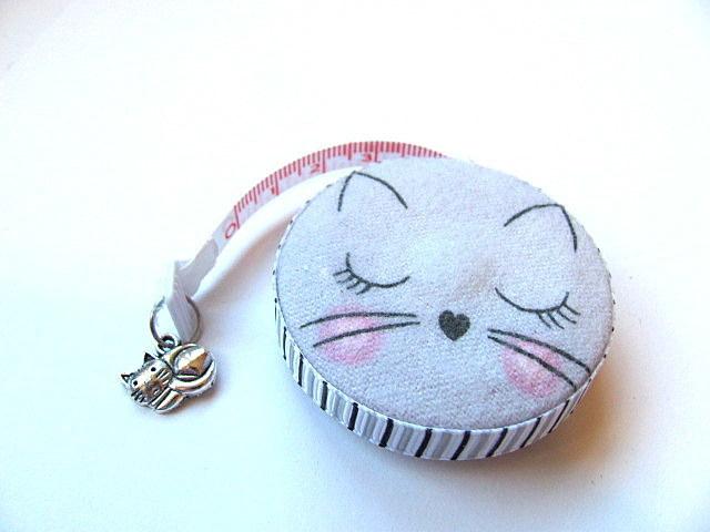 Measuring Tape Gray Cats Small Retractable Tape Measure