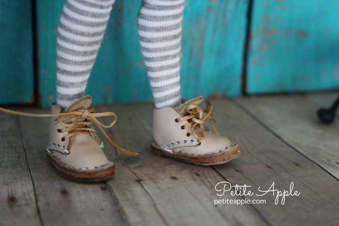 BEIGE Leather boots for Blythe dolls (all bodies) and other similar size feet