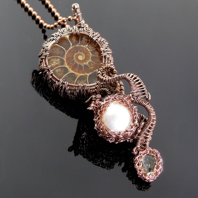 Treasure from the deep - Wire woven ammonite pendant with pearl