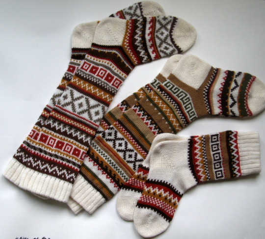 Hand knit wool socks. CUSTOM MADE. Scandinavian pattern.Winter Fall. Present