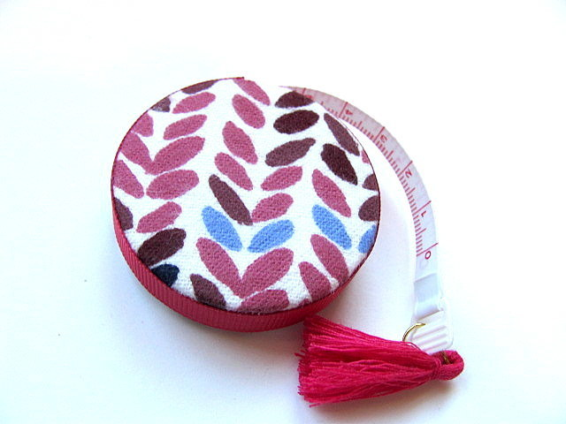 Tape Measure Big Knitting Stitches Retractable Pocket Measuring Tape