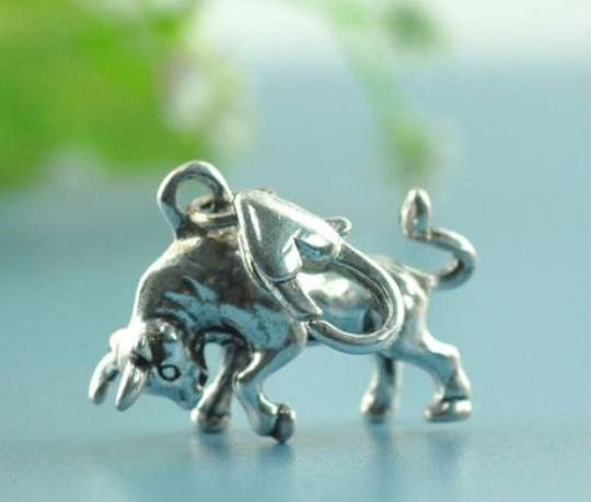 1 Clip On Charms Fit Link Chain Bracelets -Taurus The Bull - Stock Market Bull -