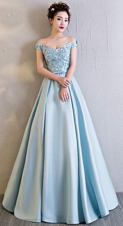 Blue satin  Sweetheart Evening Gown With Flowers