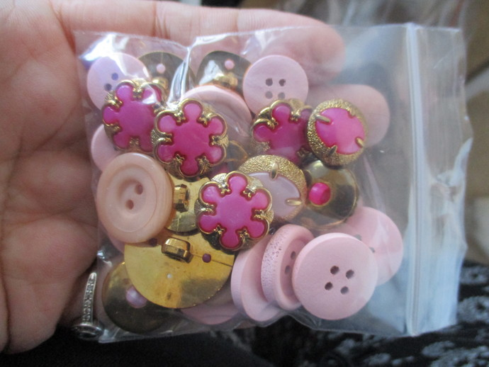 1 Bag of Mixed Buttons