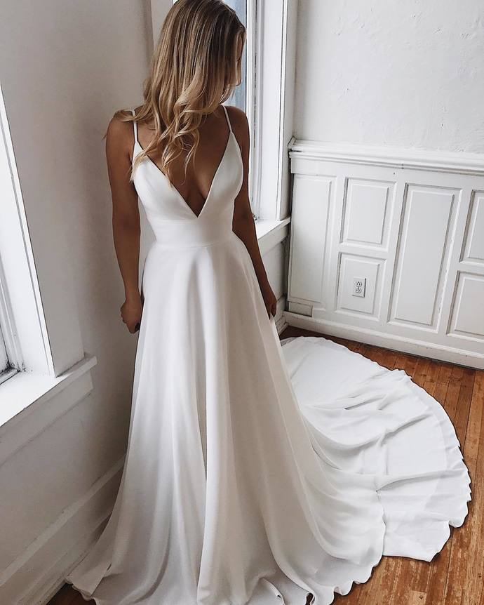 White Prom Dresses V-Neck Evening Dress A-Line Formal Gowns Cheap Prom Gowns