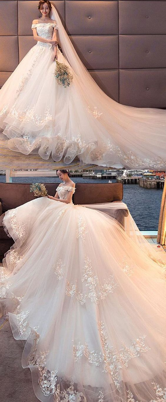 Attractive Tulle Wedding Dress,Off-the-shoulder Neckline Ball Gown Wedding