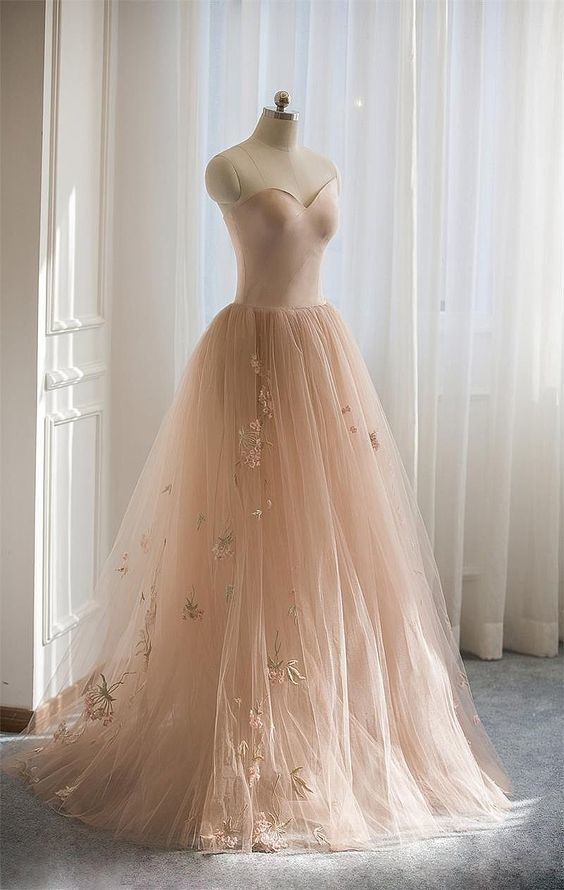 Gorgeous Sweetheart Long A-Line Tulle With Embroidery Prom Dresses  E561