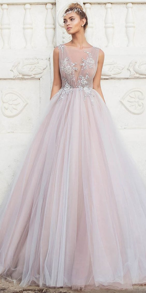 Tulle Bateau Neckline Ball Gown Wedding Dresses With Lace Appliques M7180