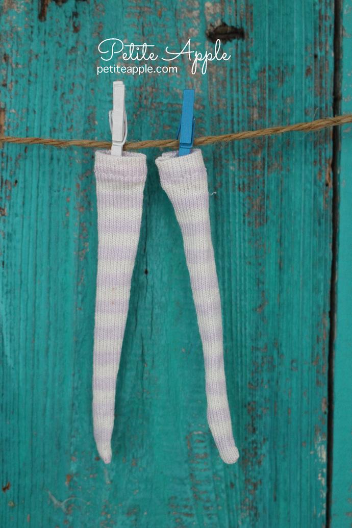 Wren's Lavender/white striped stockings for Bbflocking Cricket dolls