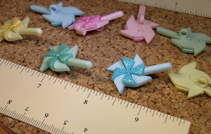 Pinwheel Buttons B10-002
