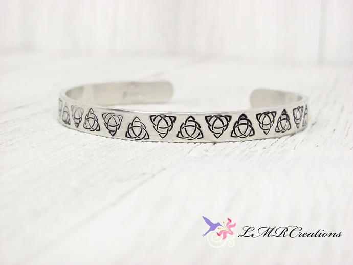 Celtic Trinity Knot Cuff Bracelet. Irish Celtic Knot Bangle Bracelet, Stamped