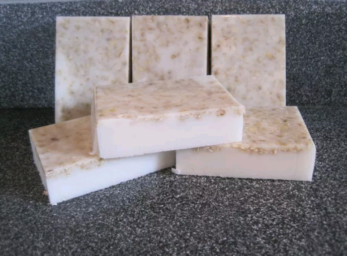Homemade Oatmeal and Vanilla Soap, SHEA BUTTER, POISON Ivy Remedy