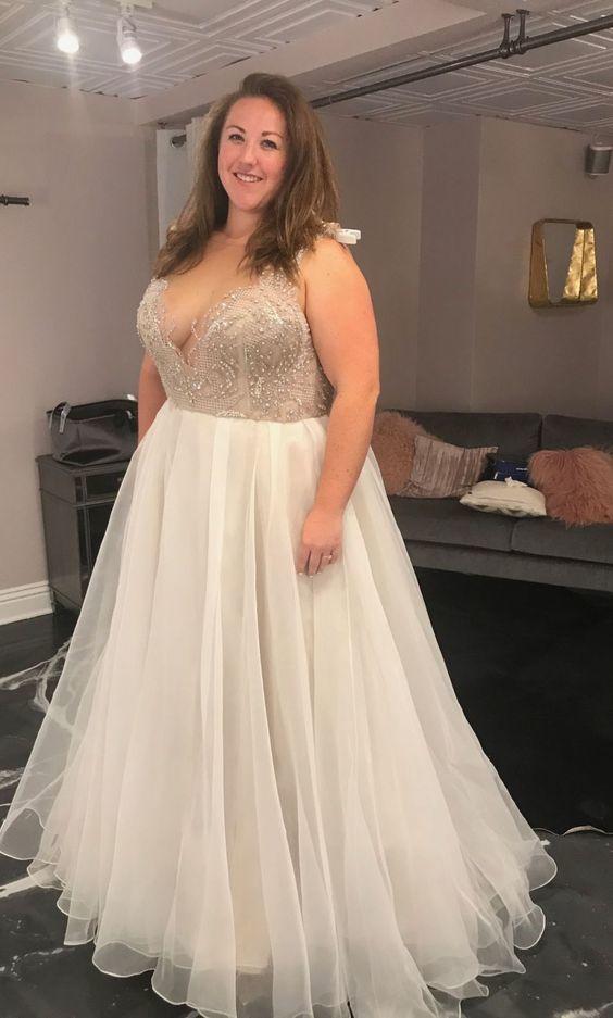 Plus Size Wedding Dress,Handmade Beaded V-neck Wedding Dress