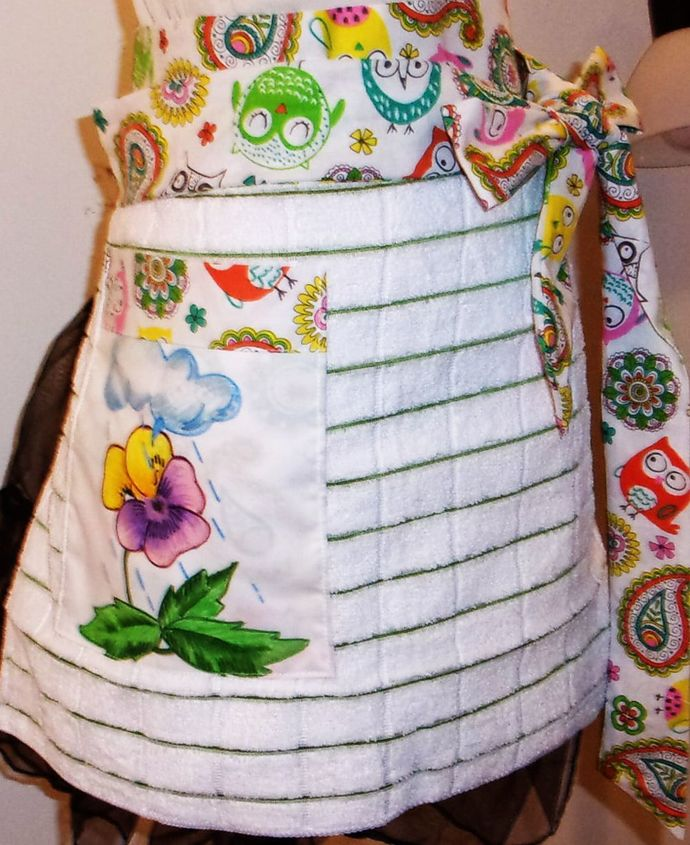 Woman's Apron, Greem Stripe Towel Apron, Half Apron, Gift for Mom, Hand Painted