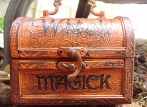 Primitive Witch purses Witches Spells Chest purse box Magic Wicca Black Cats