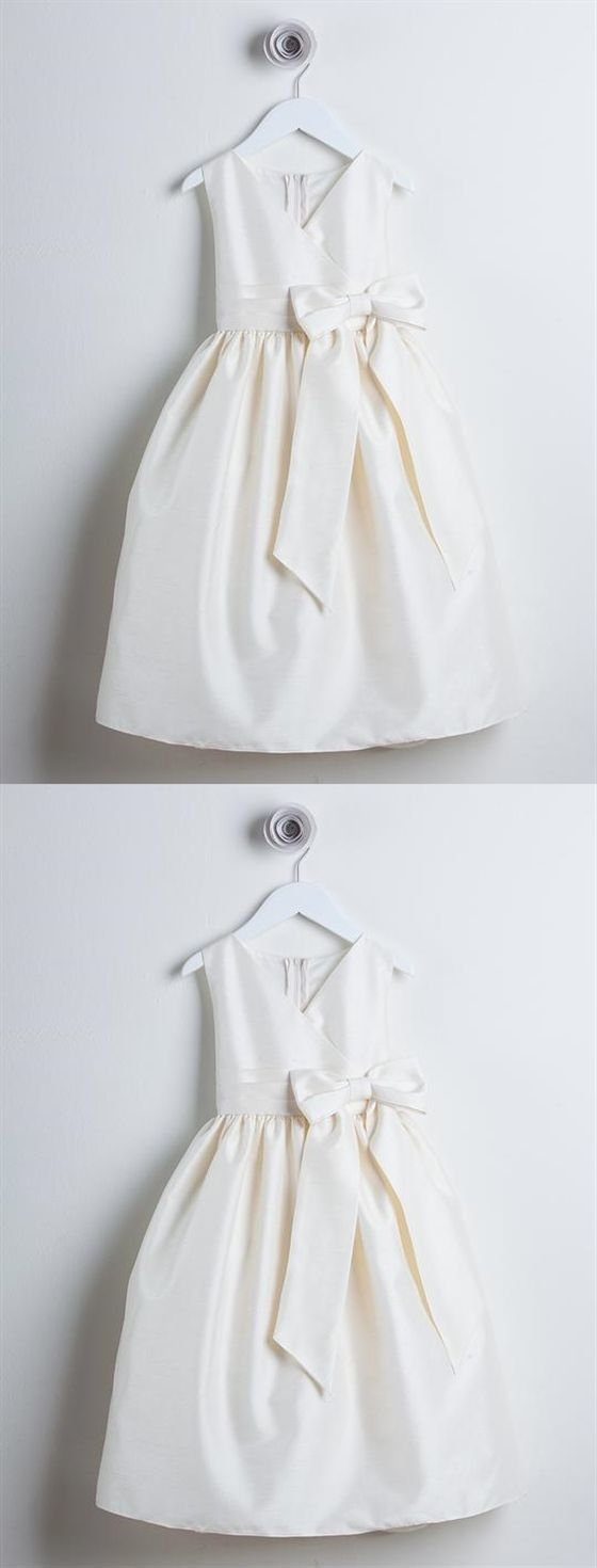 Simple Ivory V Neck Sleeveless A Line Satin Flower Girl Dresses With Bowknot
