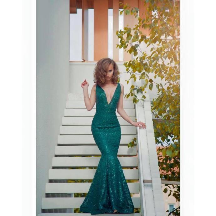 Elegant Evening Dresses,V-Neck Prom Dress,Sequin Prom Dresses,Mermaid Prom