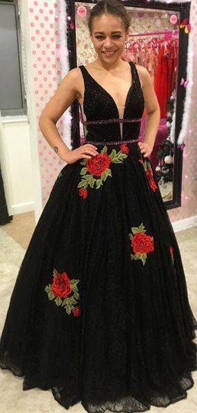 Alluring A-Line Deep V-Neck Sleeveless Black Laced Prom Dresses With Appliques