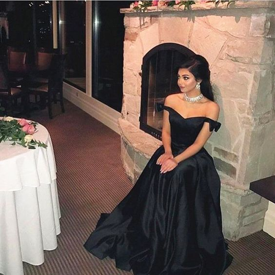 Satin Prom Dresses,Black Evening Gowns,Ball Gowns For Women
