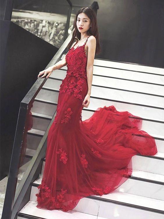 Mermaid Spaghetti Strap Chapel Train Tulle Appliqued Long Prom Dresses