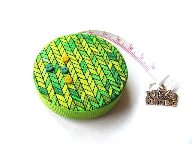 Tape Measure Lemon and Lime Knitting Stitches Retractable Pocket Measuring Tape
