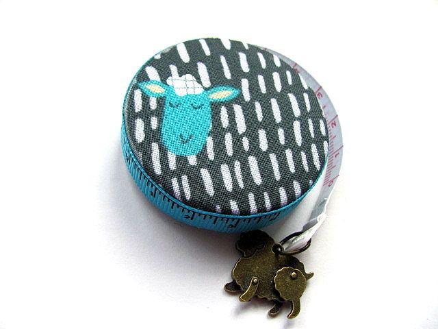 Measuring Tape Dots and Dashes Sheep Retractable Pocket Tape Measure