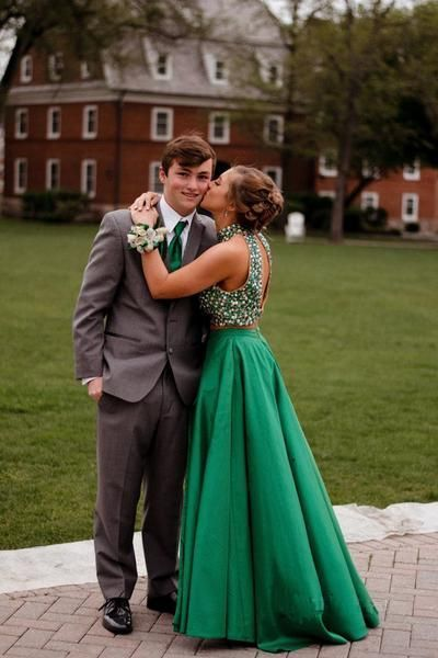 Green Two Piece Floor Length Halter Sleeveless Keyhole Back Beading Prom