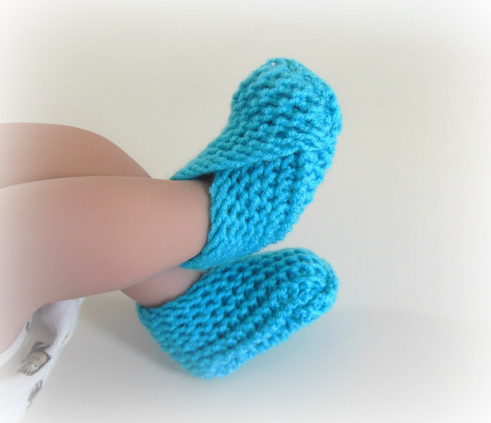 Newborn Knit Booties, Socks, Slippers, Shoes in Turquoise