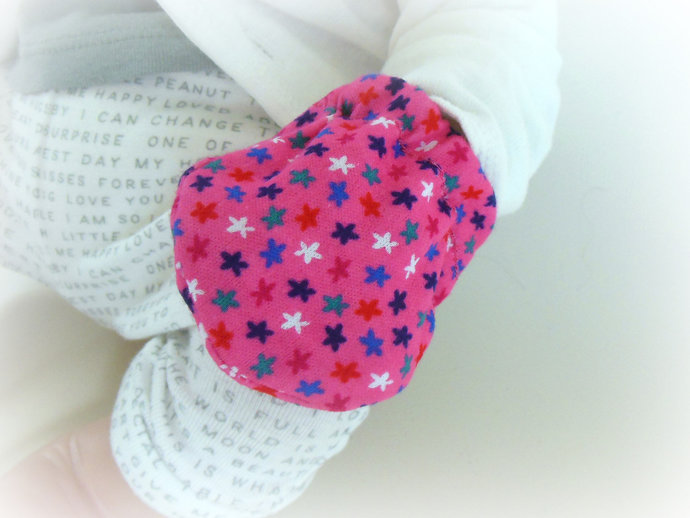 Infant Scratch Mittens, Baby Mittens, No Scratch Mittens in Pink Stars