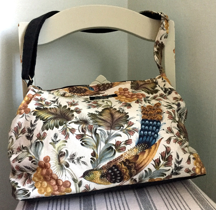 Large shoulder bag - Handbag with birds leaves and berries Bag No.504 - Stor