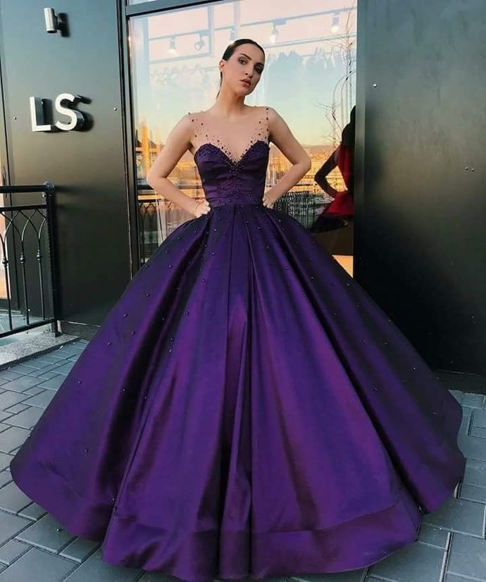 Purple High Quality Ball Gown with Beads, Amazing Round Neck Sleeveless Prom
