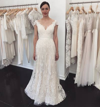Princess Ivory Lace Long Wedding Dress Cap Sleeves Bridal Gowns
