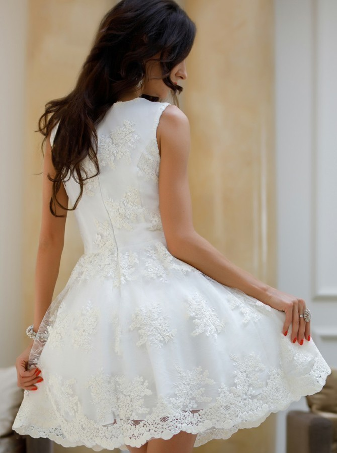 A-Line V-Neck White Tulle Homecoming Dress with Appliques H-035