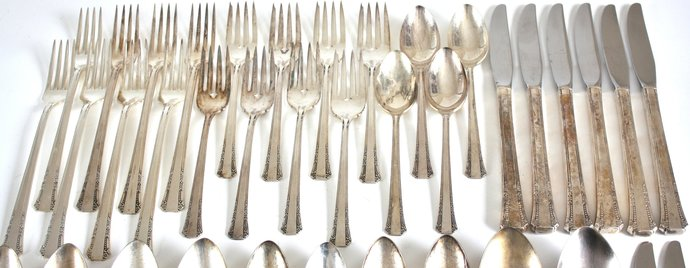 "Complete Silverware Set 1881 Rogers Oneida Ltd ""Del Mar"" Service for 8 with Wood"