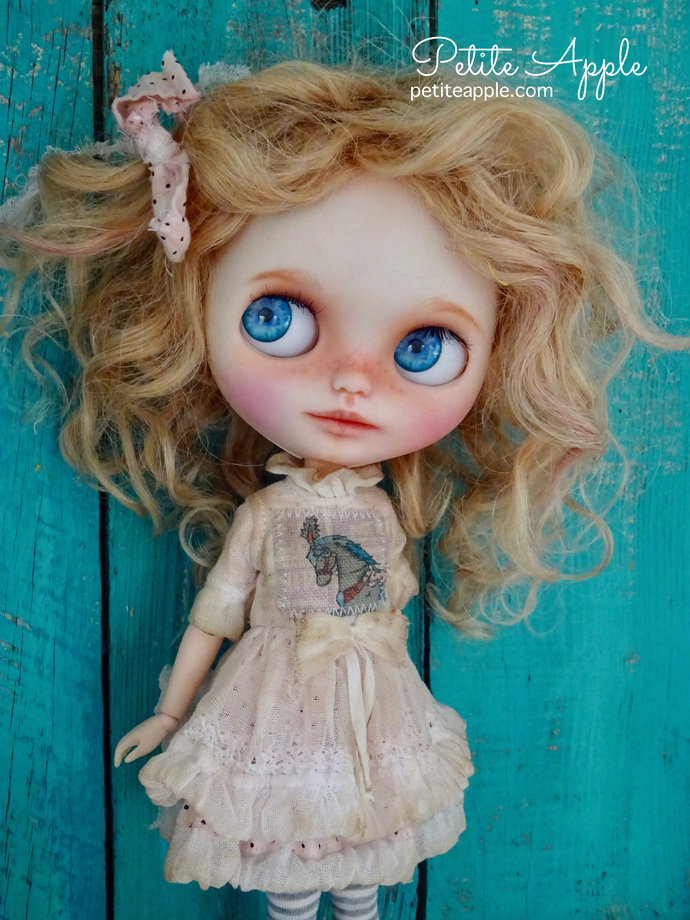 Blythe doll OOAK dress- *decadent rocking horse""