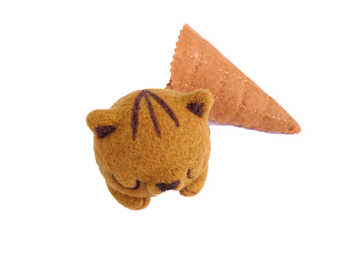 Scoopsie Salted Caramel, ice cream scoop art toy, ooak Toy Art kitty, cat ice