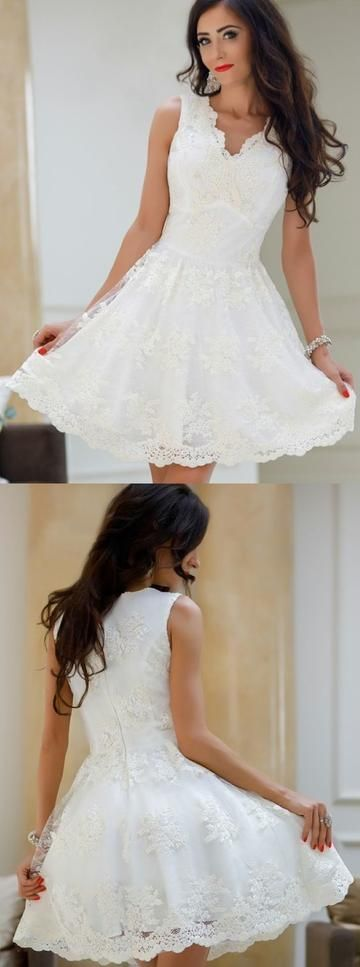 A-Line V-Neck White Tulle Homecoming Dress with Appliques