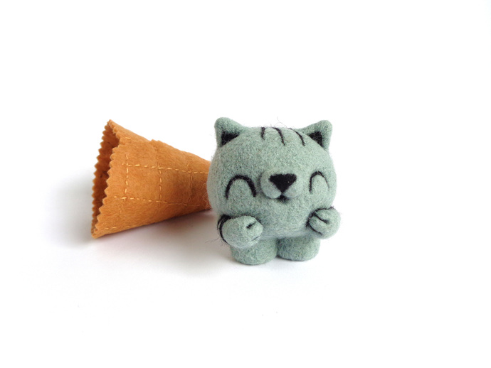 Scoopsie Black Sesame, ice cream scoop, kitty ice cream, ooak Art Toy, kawaii,