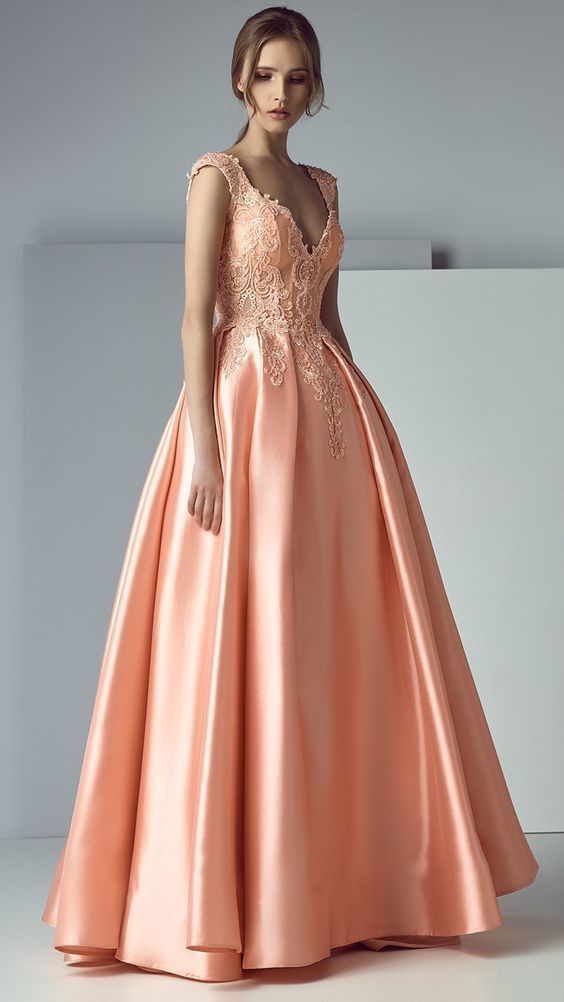 High Quality V-neck Neckline,Sexy Sleeveless , A-line Prom Dress With Lace