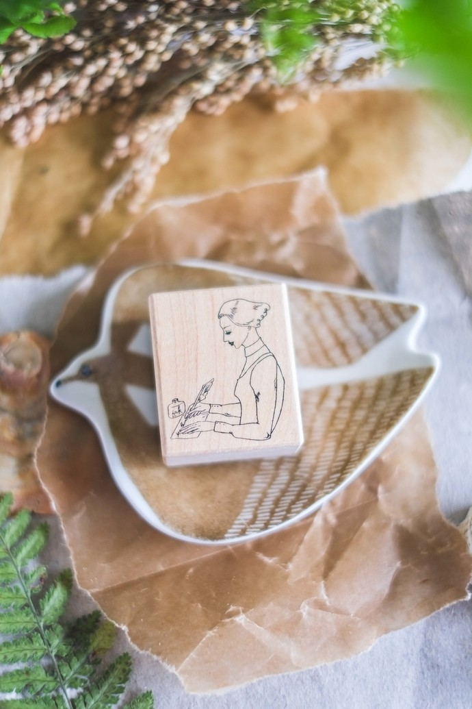 La Dolce Vita wooden stamp - Nib Penholder girl - perfect for journaling & happy